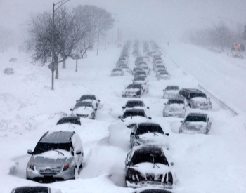 2011 Chicago Blizzard - Lake Shore Drive