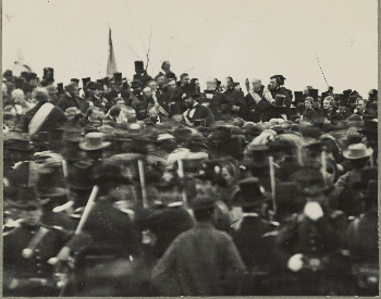 A picture of Abraham Lincoln giving the Gettysburg Address months after the Battle of Gettysburg