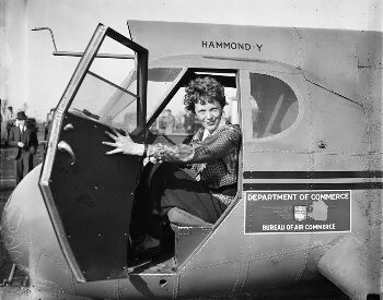 A picture of Amelia Earhart in a Stearman-Hammond Y-1 aircraft
