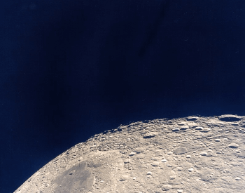 A picture of the farside of the moon from the Apollo 13 mission