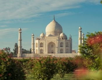 A picture of the beautiful Taj Mahal