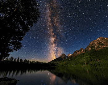 A beautiful picture of the bright band of the Milky Way Galaxy in Wyoming
