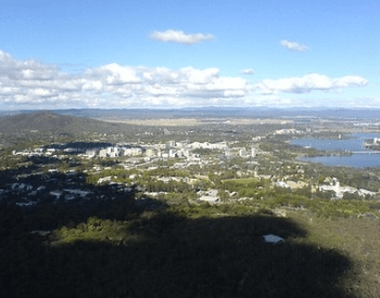 A picture of the skyline of Canberra
