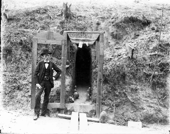 A picture of caves dug by citizens of Vicksburg to avoid cannon fire during the Battle of Vicksburg