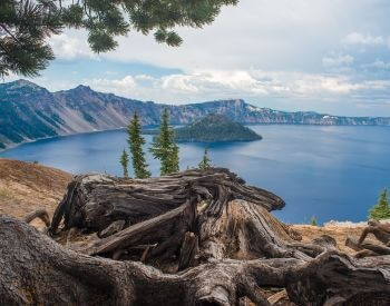 A picture of Crater Lake during the summer season