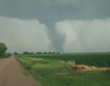 A Picture of an EF2 tornado on 06-20-2011