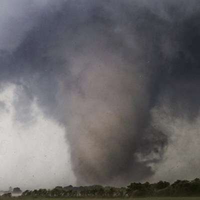 A Picture of a EF4 Tornado Funnel