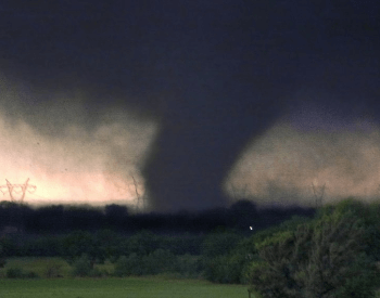 A picture of an F5 Tornado.