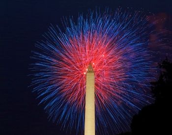 A picture of the Washington Monument and fireworks