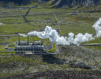 A picture of a geothermal power plant