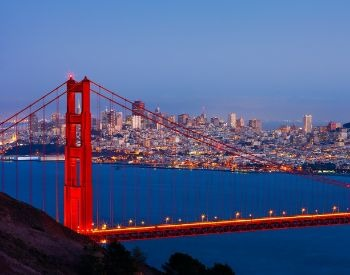 A picture of the Golden Gate Bridge and the San Francisco skyline