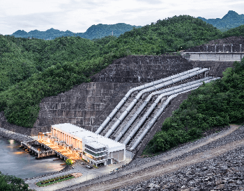 A picture of a hydroelectric power plant