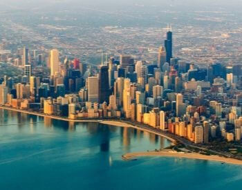 A picture of Lake Michigan and the Chicago skyline