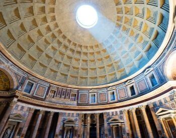 A picture of light coming through the hole of the Pantheon