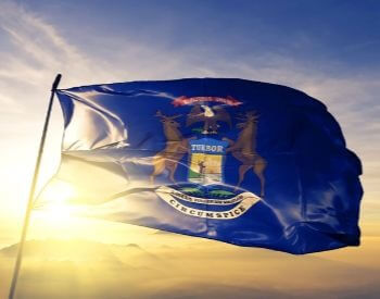 A picture of the flag of the U.S. state of Michigan