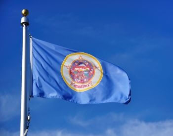 A picture of the flag of the U.S. state of Minnesota