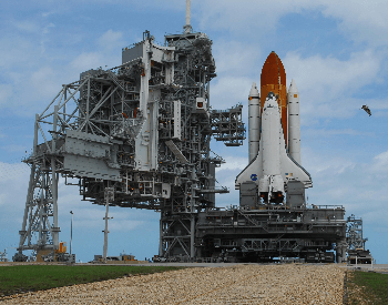 A photo of the NASA Shuttle Discovery on the launch pad