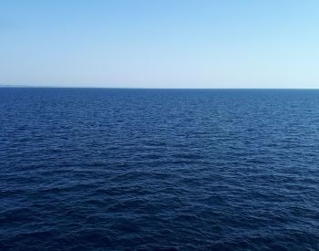 A picture of the ocean