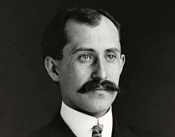 A picture of Oriville Wright in a 1905 picture
