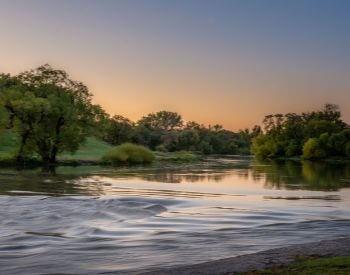 A picture of the Red River in Fargo, North Dakota