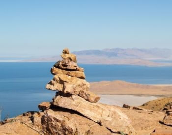 A picture of the stacked rocks at the Great Salt Lake