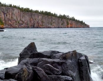 A picture of Shovel Head Point cliffs on Lake Superior