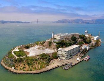 A side ariel picture of Alcatraz and Alcatraz Island