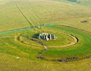 A side ariel picture of Stonehenge