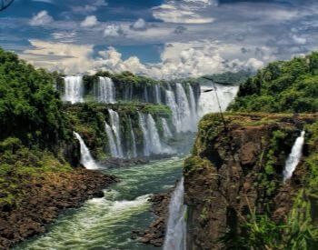 A pictute of the side of Iguazu Falls waterfall