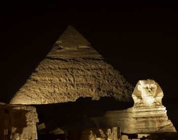 A picture of the Sphinx statue during the nighttime