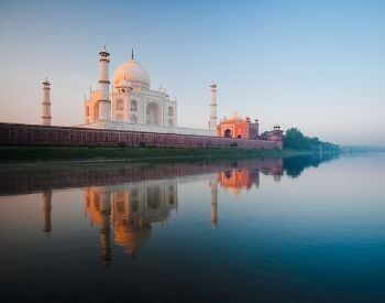A picture of the Taj Mahal on the Jamuna River