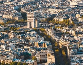 Another picture of the Arc de Triomphe taken by a drone