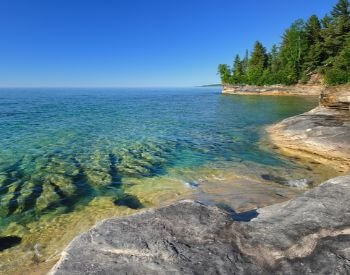 A picture of the clear water of Lake Superior