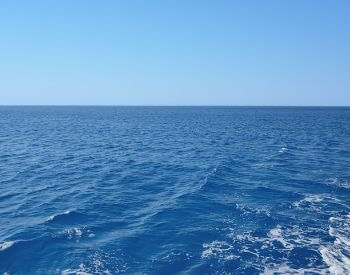 A picture of the an ocean that contains saltwater
