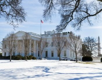 A picture of the White House with snow