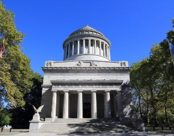 A picture of Ulysses Grant's Tomb in New York City, New York