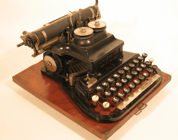 A picture of the Universak Crandall typewriter from 1893