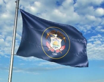 A picture of the flag for the U.S. state of Utah